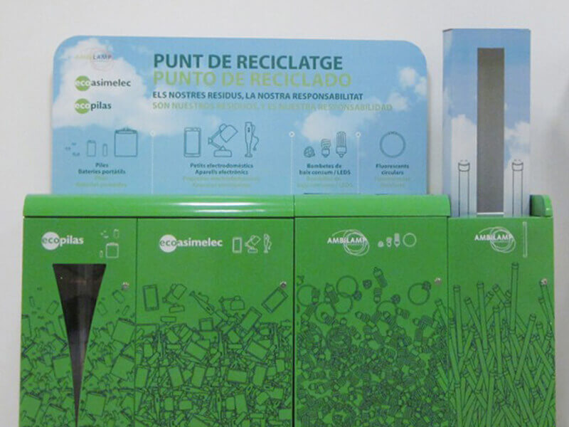 Multicontenedor de reciclaje para espacios públicos